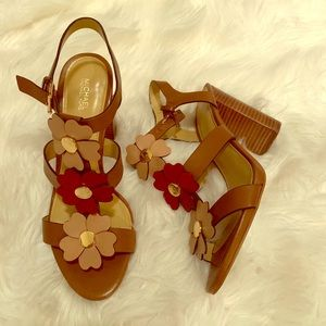 Beautiful sandals Michael Kors!!